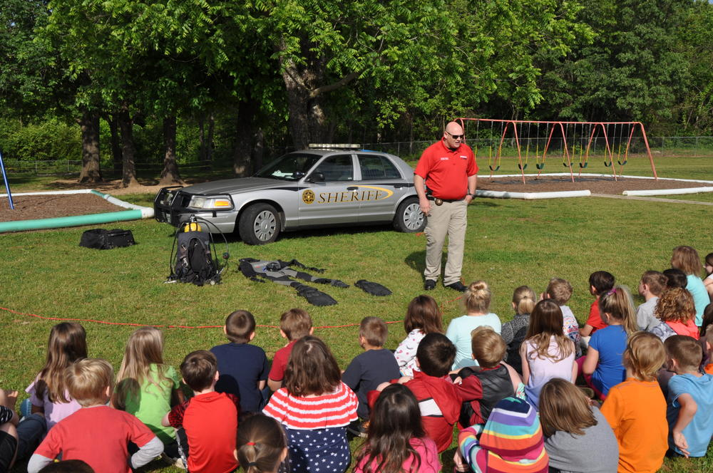 Deputy Mike Holland informed students about the Sheriff's Office Dive Team.